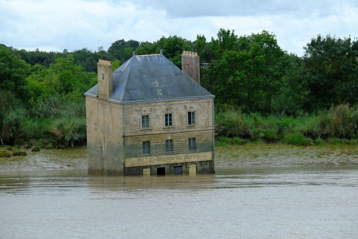 Une maison dans le plus grand fleuve de France