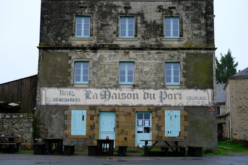 Où est l'original et où est la copie? Maison du Port