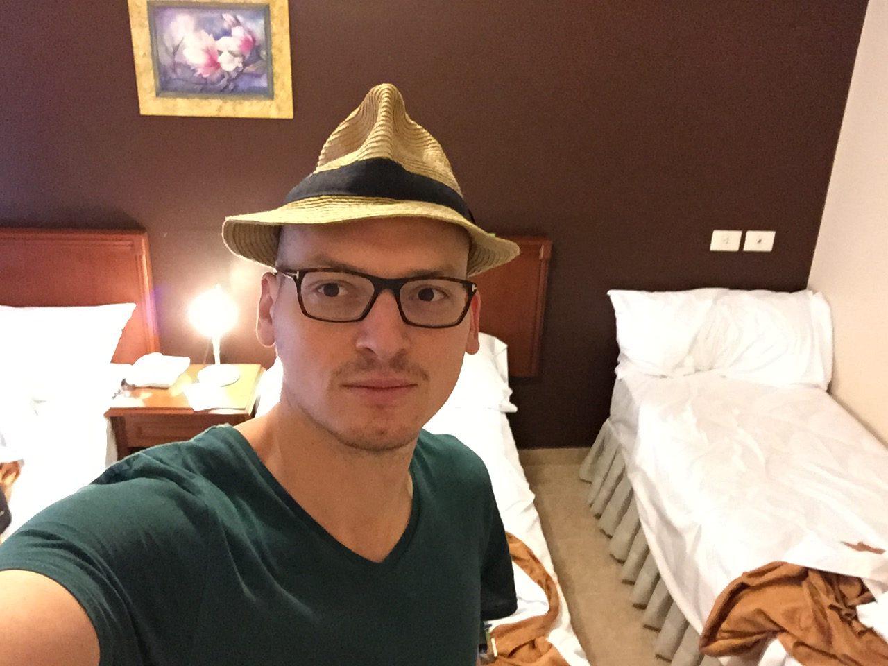 Dans une chambre d'hôtel à Salta