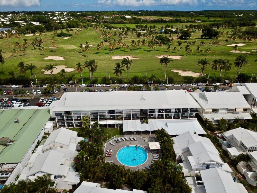 Le golf et la piscine du Bwa Chik à Saint-François