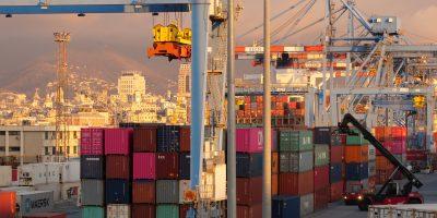 Des conteneurs sur les quais du port de Gênes
