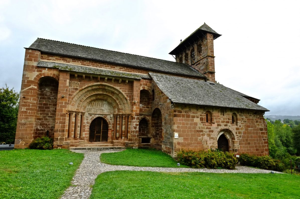La jolie église romane d'Espalion