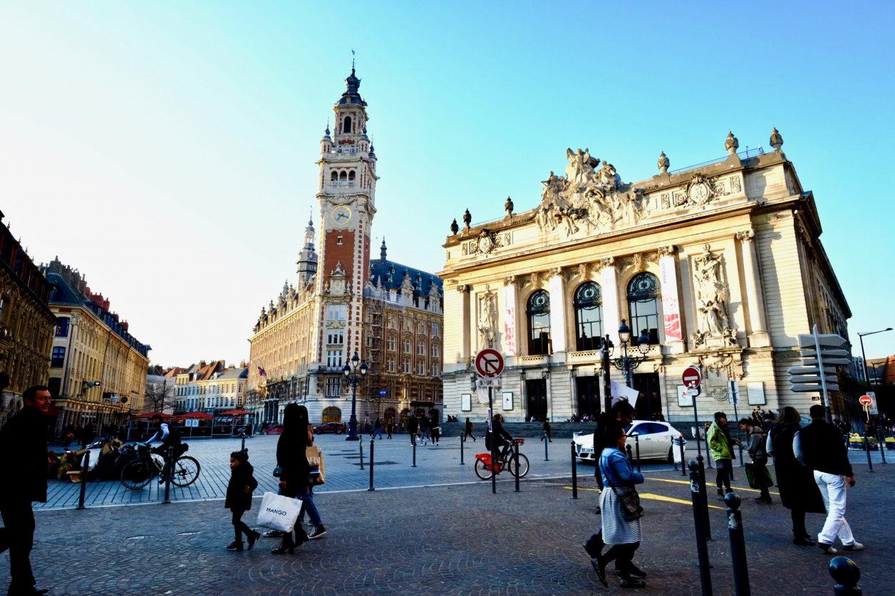 Sur la place du théâtre à Lille