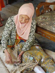 Le travail artisanal sur l'île de Java, photo Sokha Keo