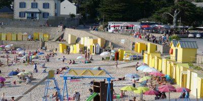 Les petites cabanes en bois de la plage Saint-Michel à Batz sur mer