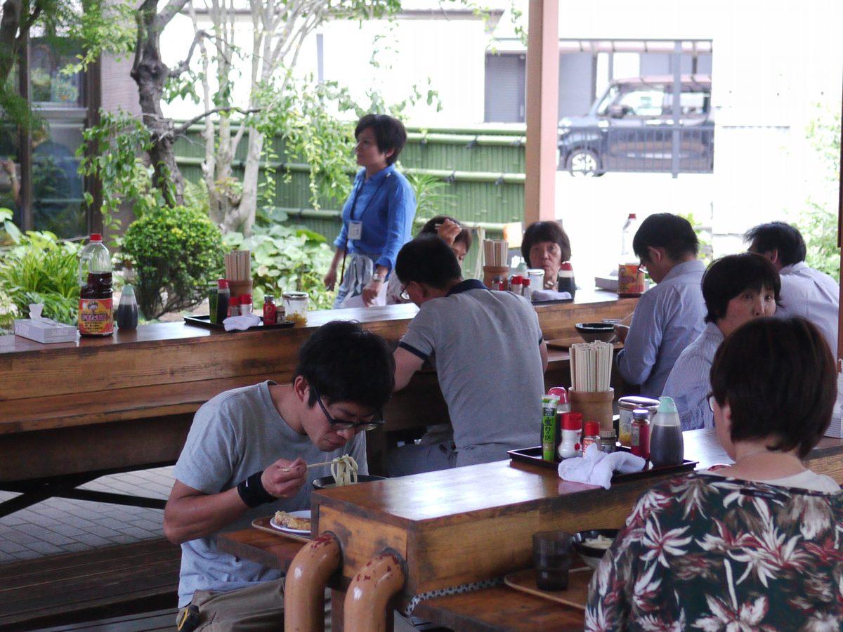 Un restaurant servant un plat traditionnel japonais le Udon. crédits: Sokha Keo