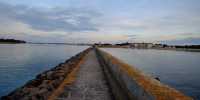 Sur la jetée du phare du Tréhic