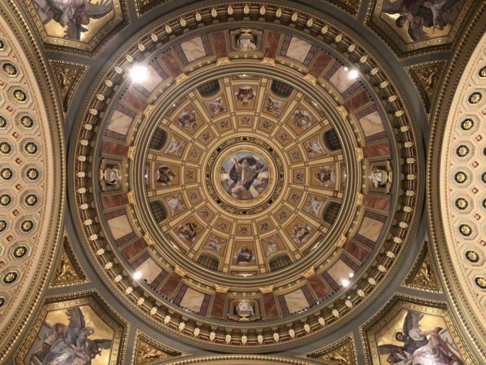 La fabuleuse coupole de la basilique Saint-Etienne à Budapest