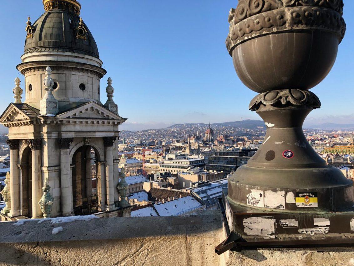 La vue depuis le sommet de la basilique Saint-Etienne à Budapest