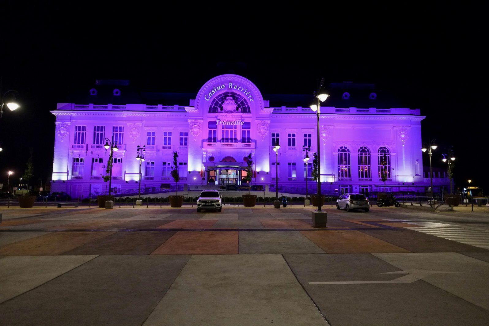 Le casino de Deauville pendant le nuit