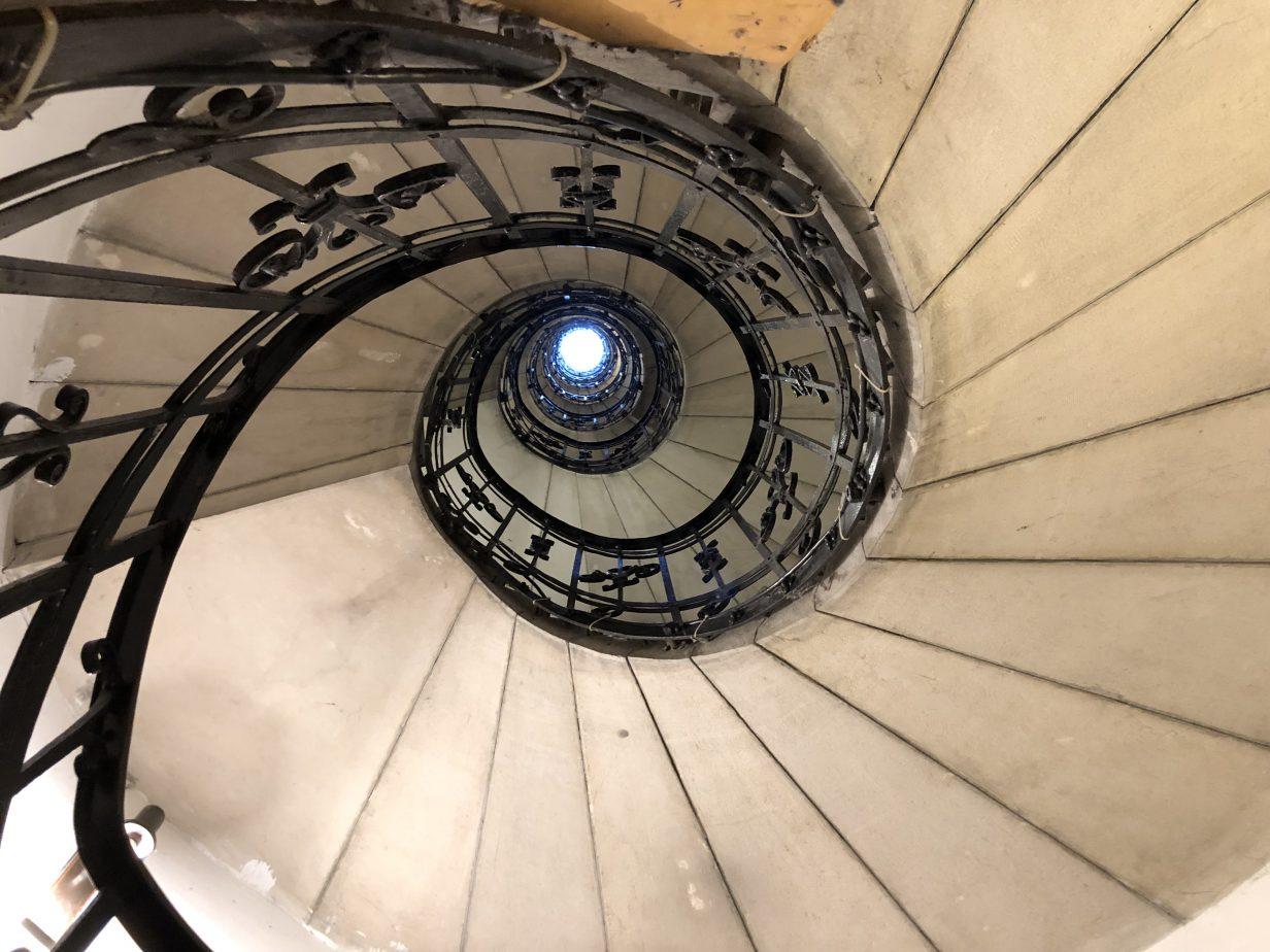 Le petit escalier en colimaçon de la basilique