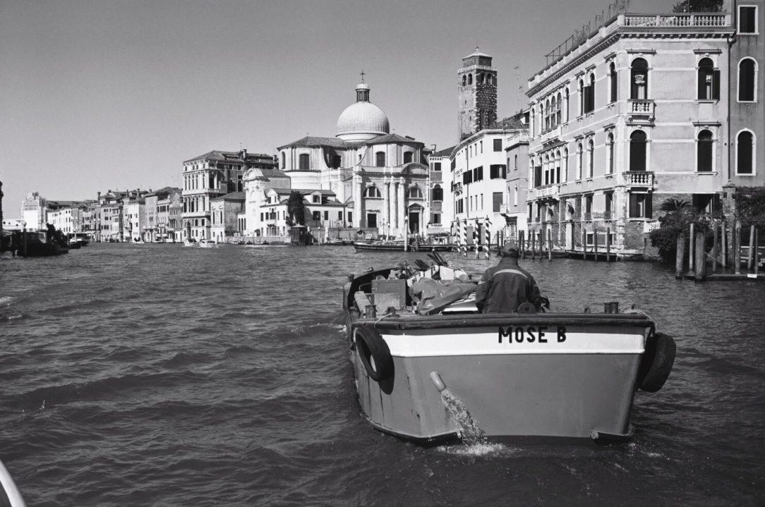 Sur le grand canal en plein coeur de Venise