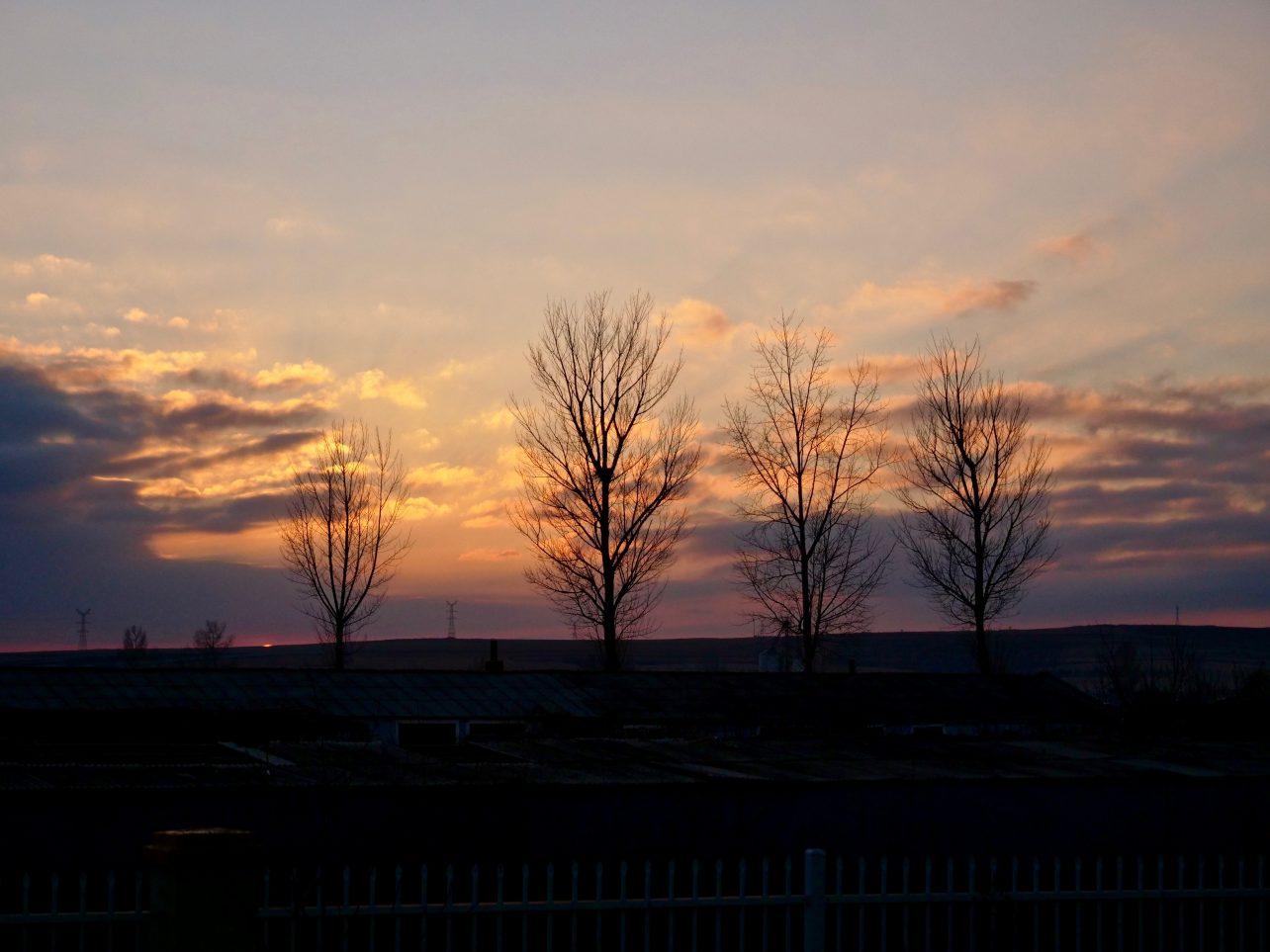 Un coucher de soleil sur la campagne du Yanbian
