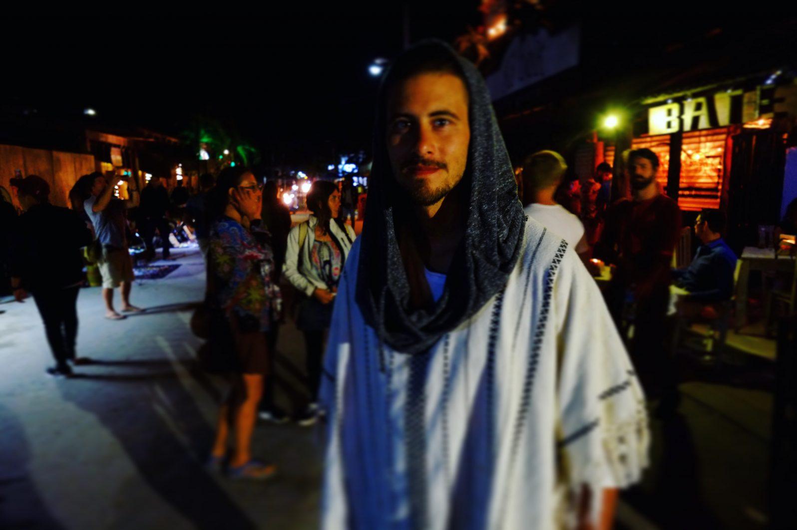 Un portait dans la rue de la soif de Tulum, la calle Centauro Sur