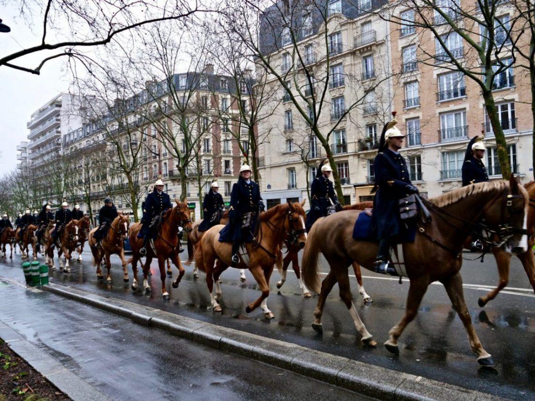 La Garde Républicaine dans les rues du 12 ème arrondissement