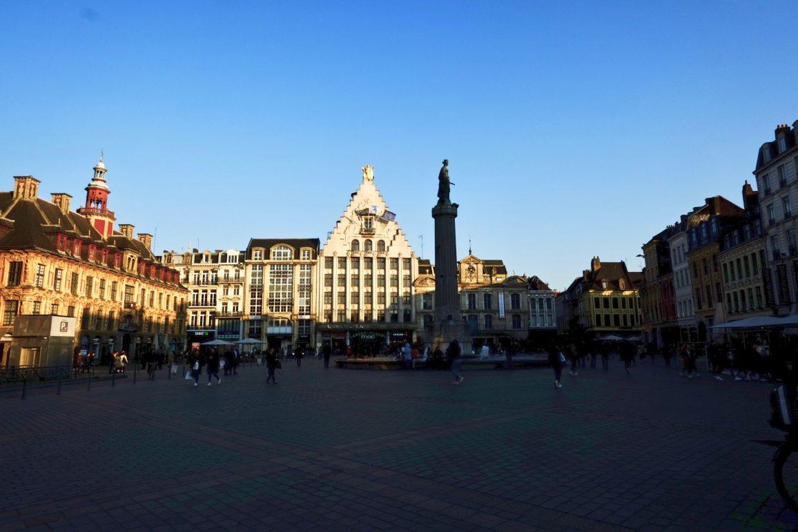 La Grand place de Lille sous le soleil