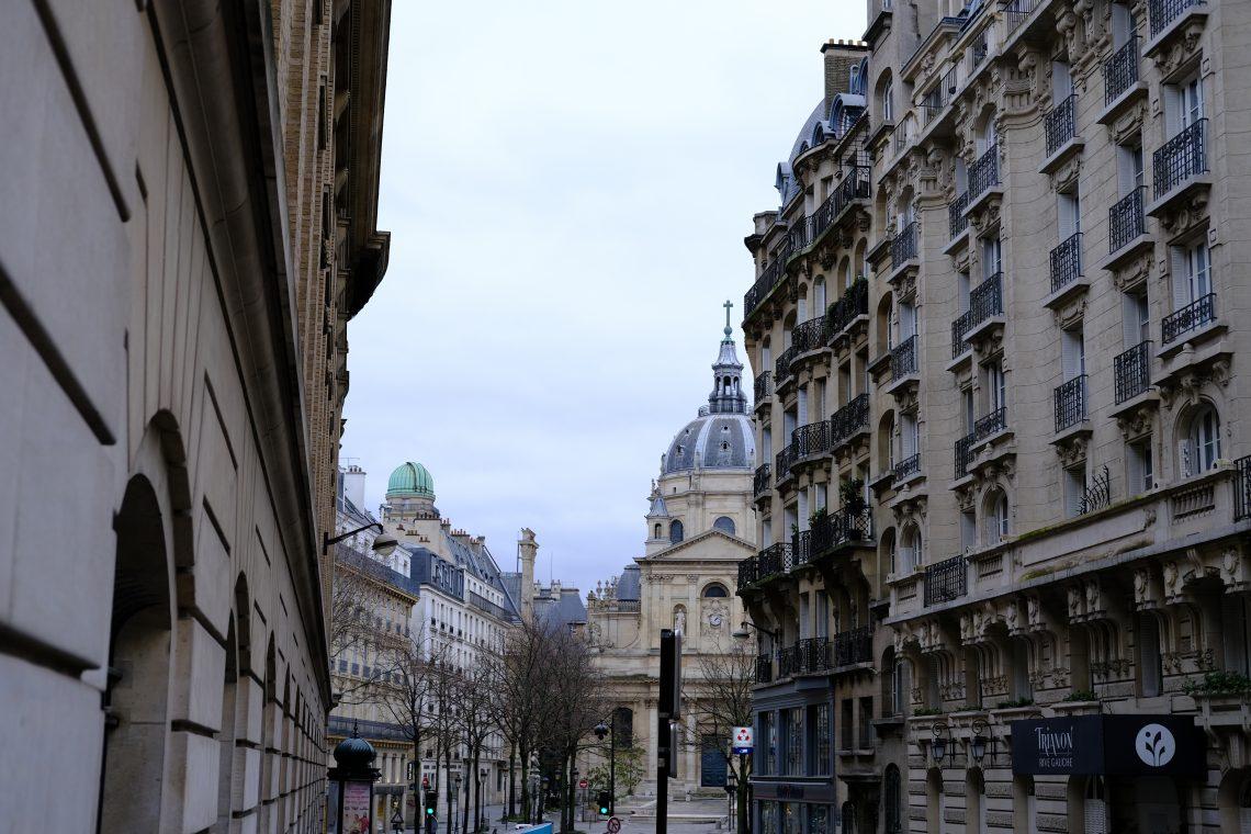 La Sorbonne et son observatoire vue depuis la rue de Vaugirard dans le 6 ème
