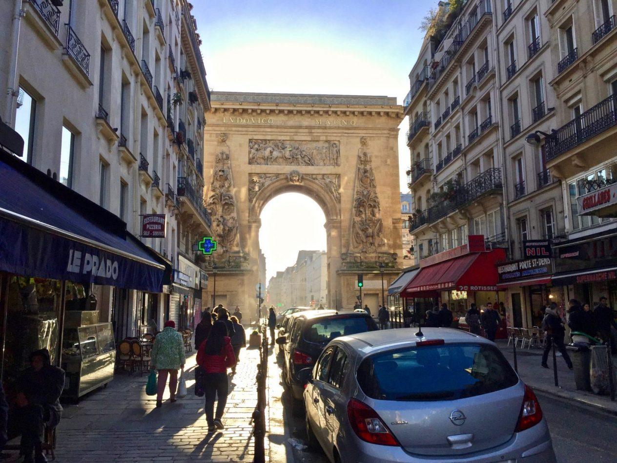 La porte Saint-Denis, l'un des arcs de triomphe de Paris