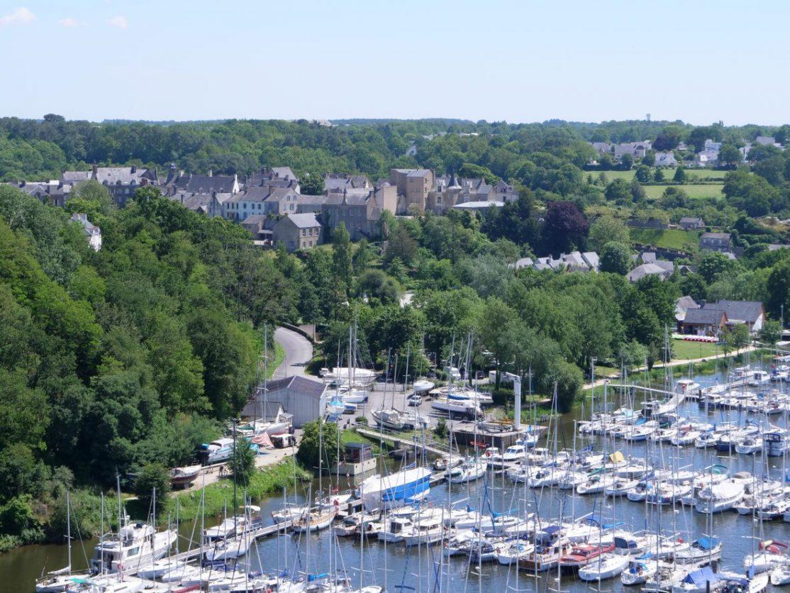 La ville de la Roche-Bernard sur les rives sud de la Vilaine