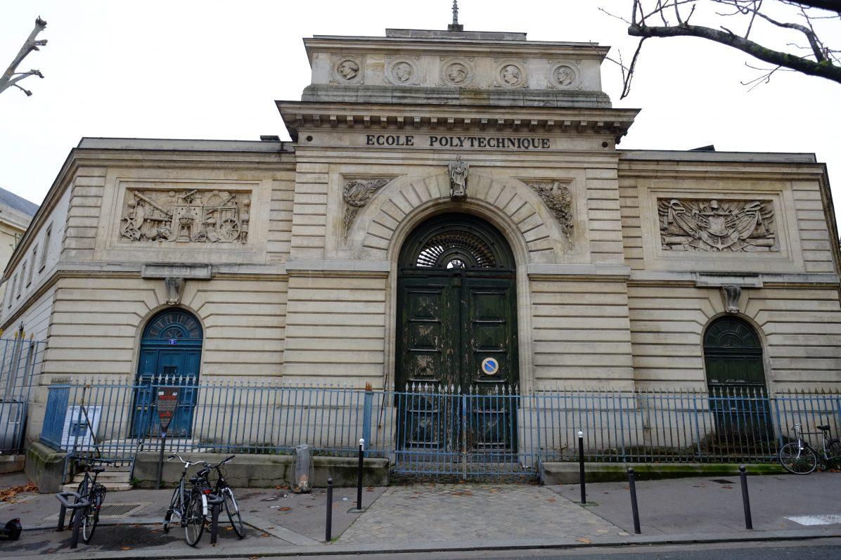 L'école Polytechnique rue de la Montagne Sainte-Geneviève