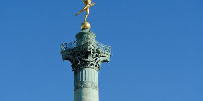 Le génie de la Liberté qui veille sur la place de la Bastille