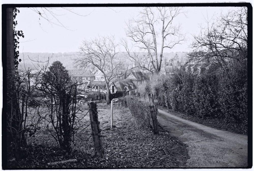 Le petit village de Lyons la Forêt