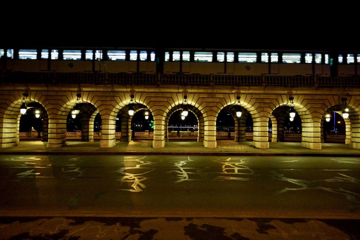 Le pont de Bercy la nuit