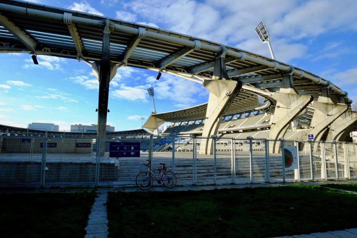 Le stade Charléty sous le soleil