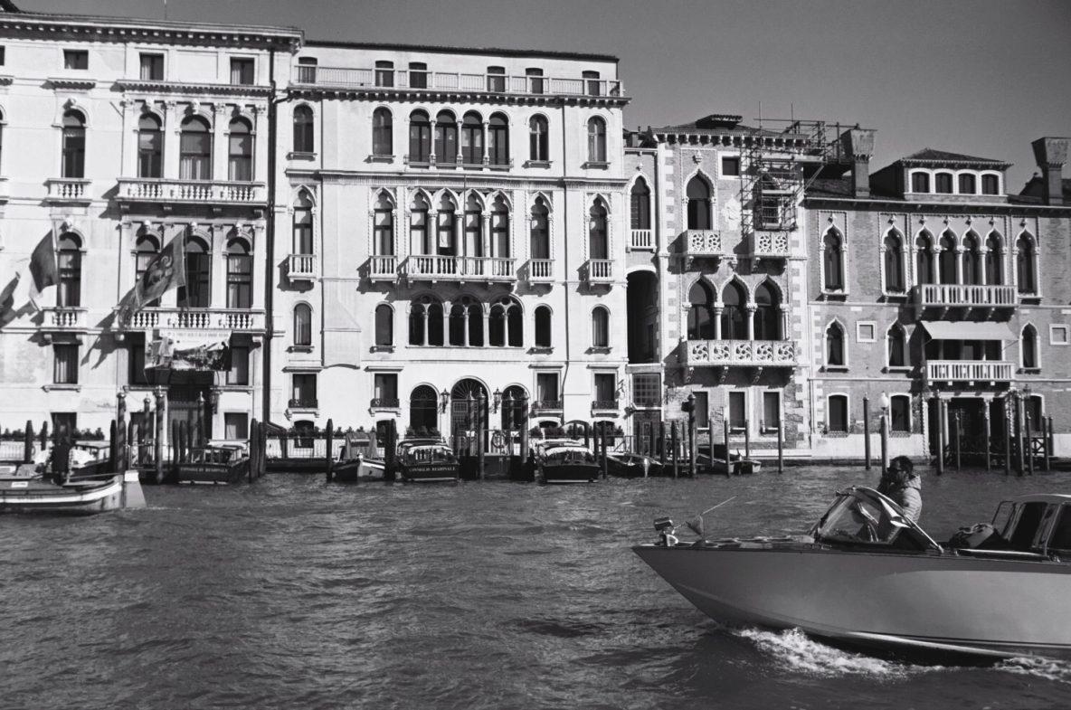 L'un des palais flottants de Venise