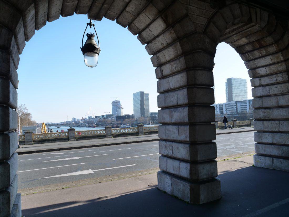 Se balader sous le pont de Bercy