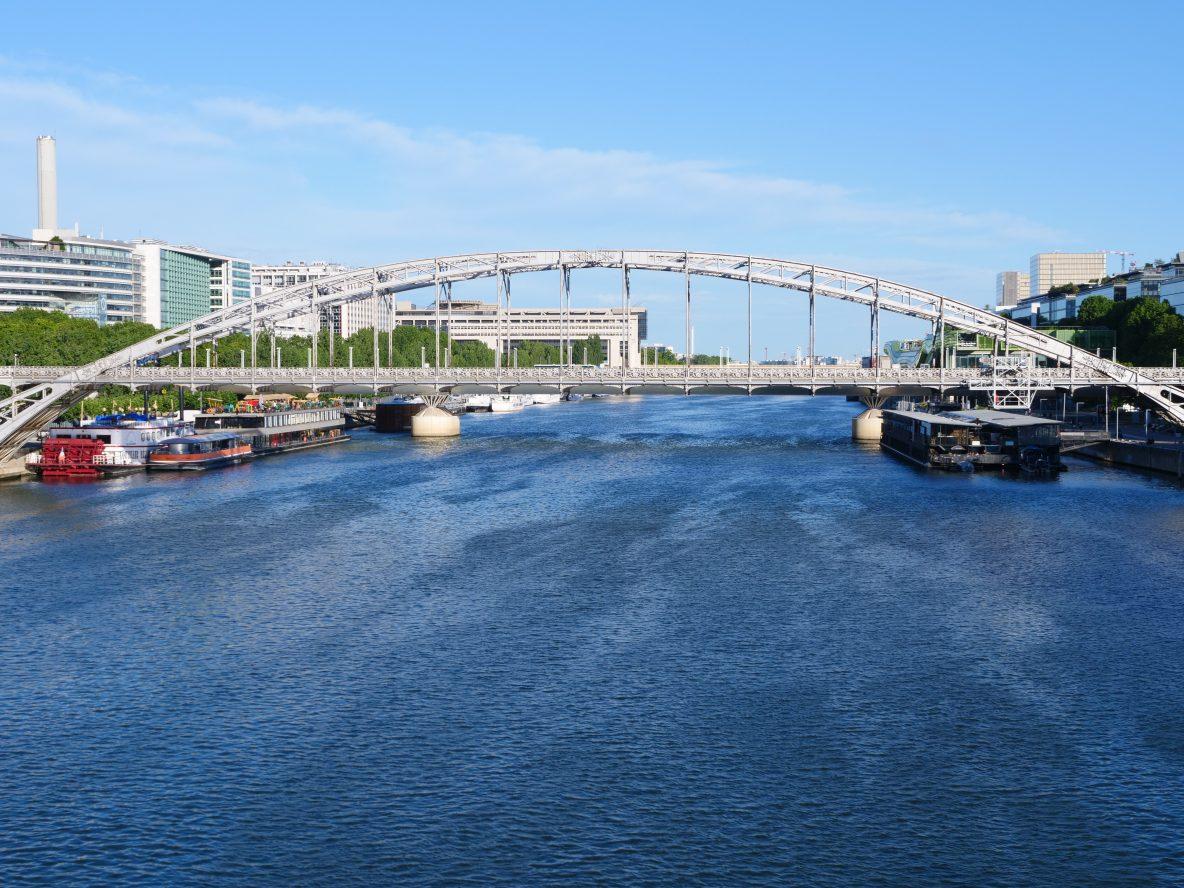 Sur les ponts de Paris entre les 12 ème et 13 ème arrondissement