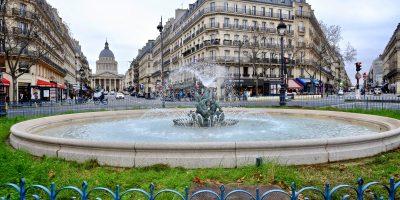 Hors classement, la fontaine de la place Edmond Rostand