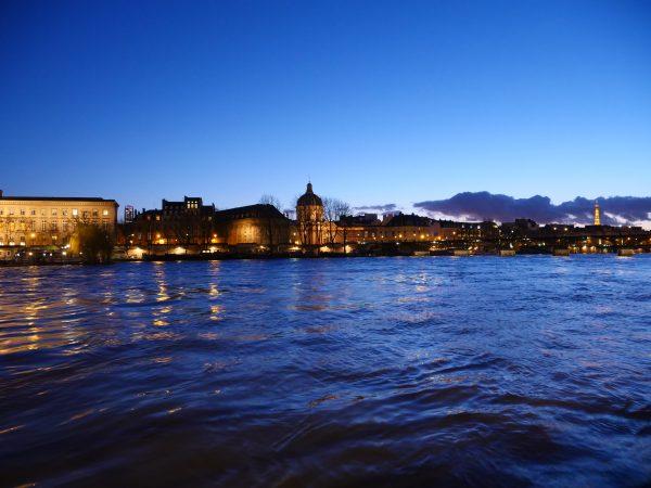 La Seine et les quais du 7 ème arrondissement de Paris