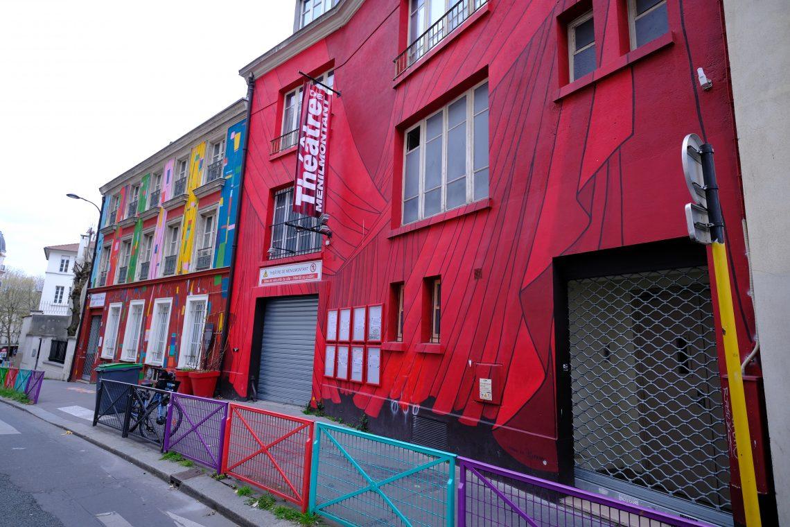 La façade colorée du théâtre de Ménilmontant