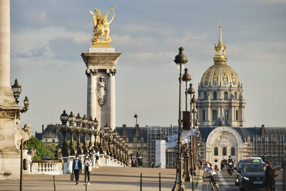 La fameuse perspective du Pont Alexandre III et des Invalides