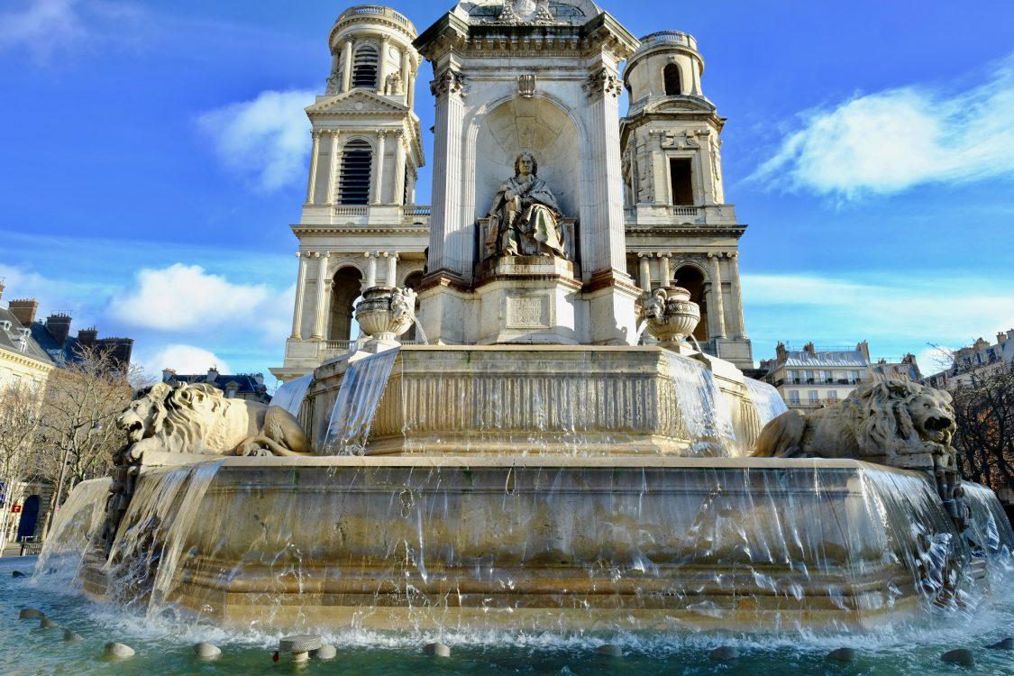 La fontaine Saint-Placide et l'église éponyme
