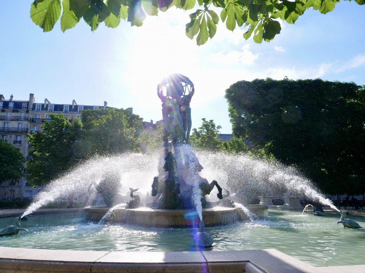 La fontaine des quatre parties du monde dans le jardins des Explorateurs