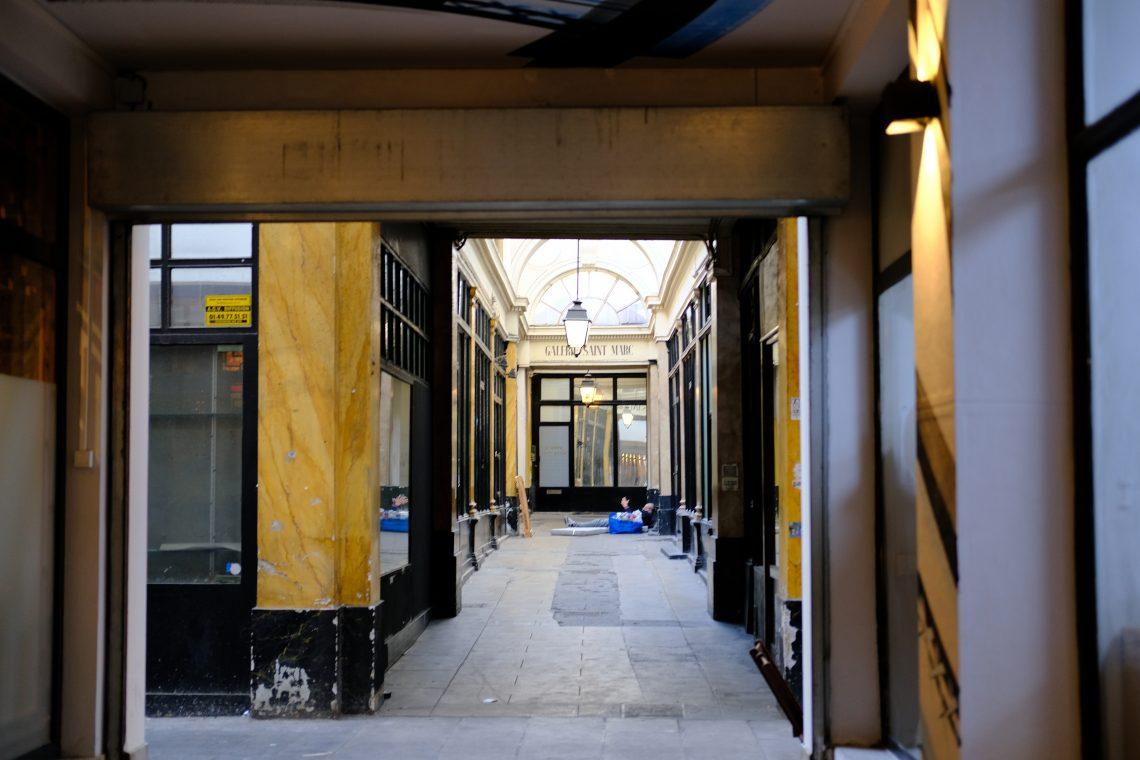 La galerie Saint-Marc qui communique avec les galeries des variétés, la galerie Montmartre et le passage des Panoramas