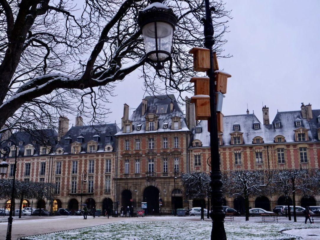 La place des Vosges en hiver
