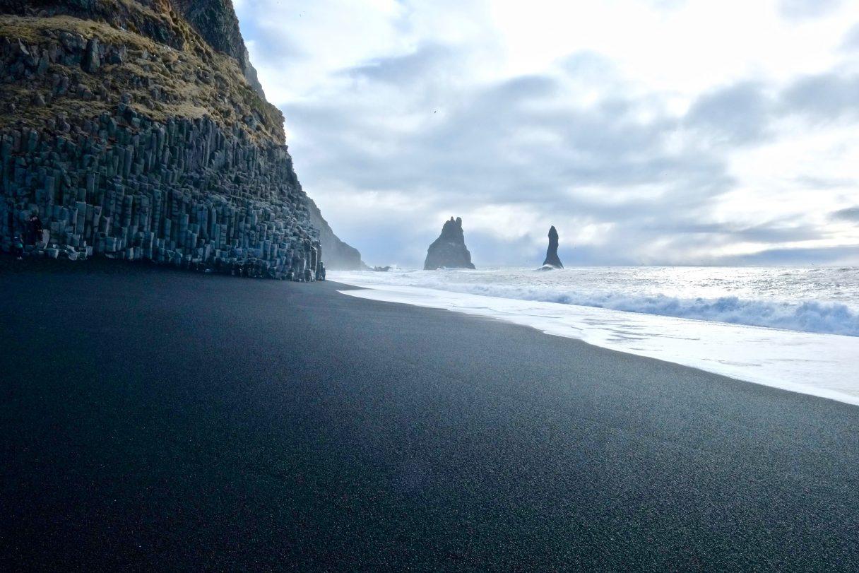 La plage de Reynisfjara cèlèbre pour ses orgues basaltiques