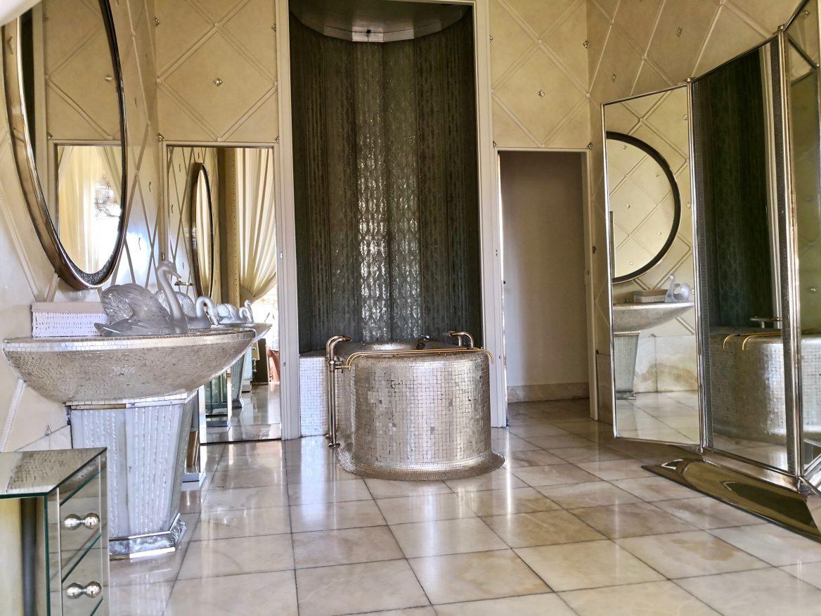 La salle de bain dans la suite de la Reine