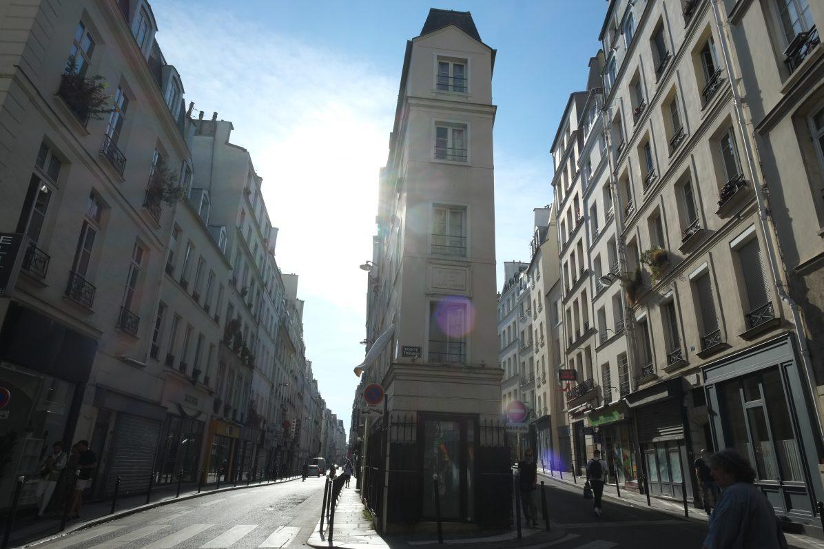 L'angle de la rue de Cléry et de Beauregard