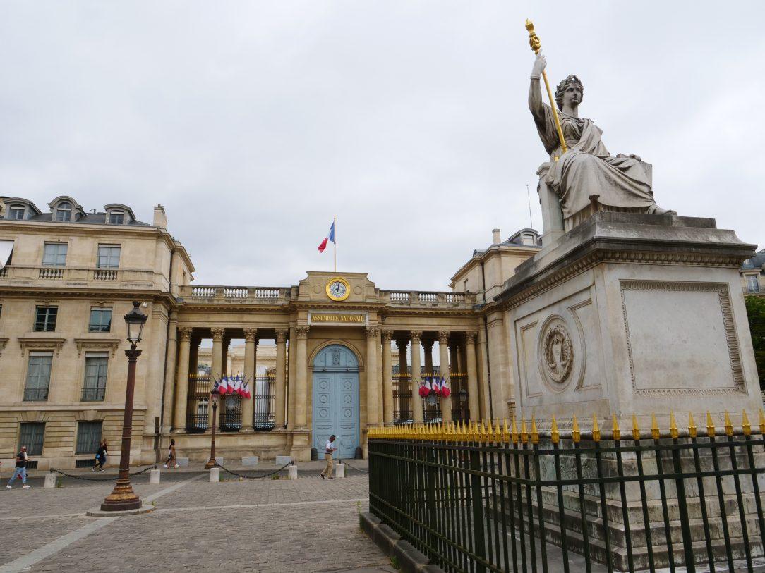 L'assemblée nationale côté place du Palais Bourbon