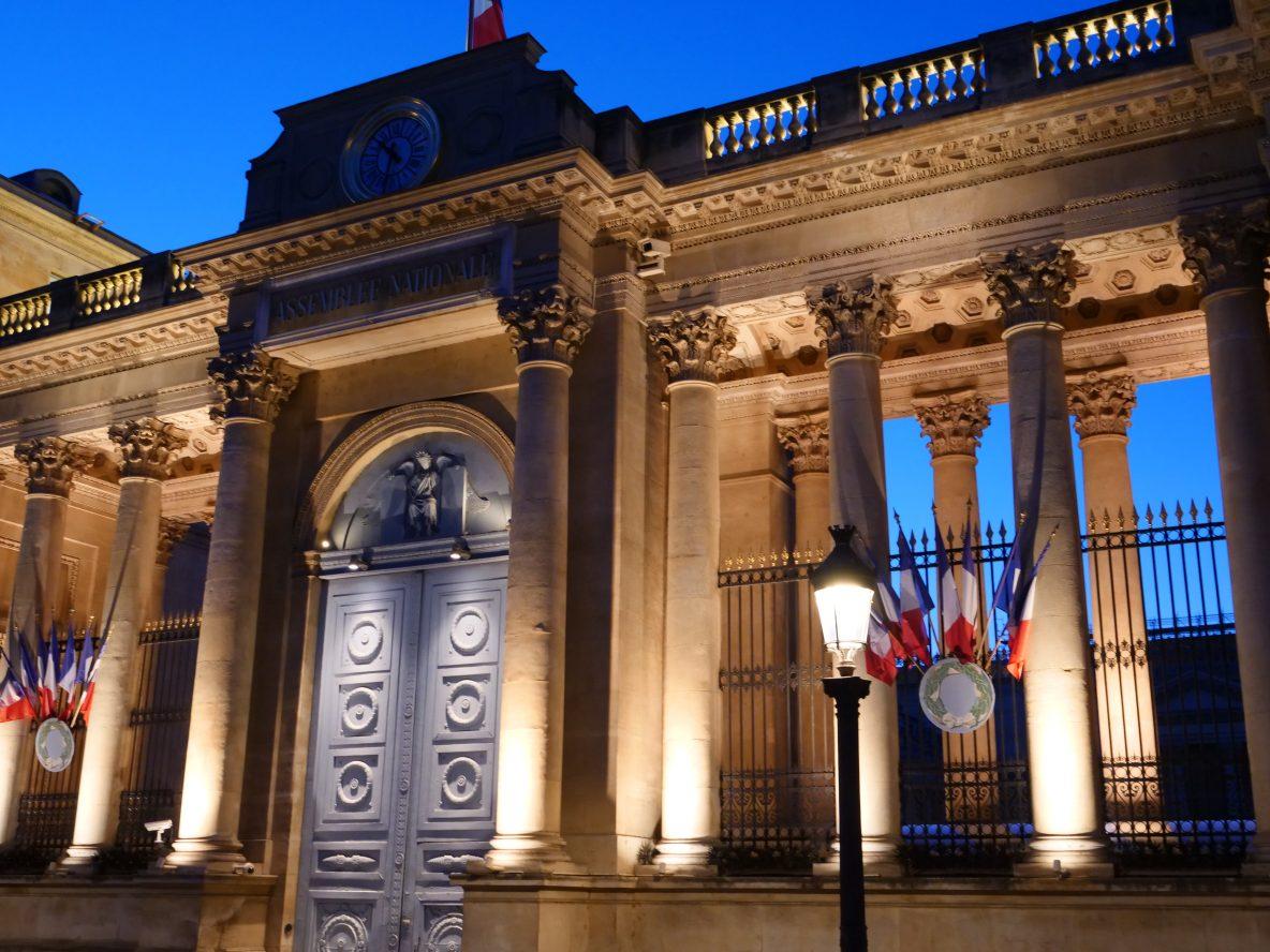 Le Palais Bourbon au crépuscule