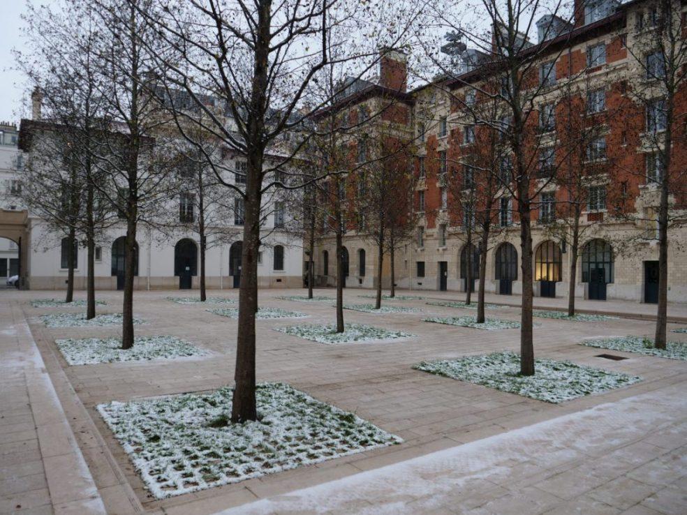 Le jardin Arnaud Beltrame, une jolie cour carrée en mémoire d'un héros de la République