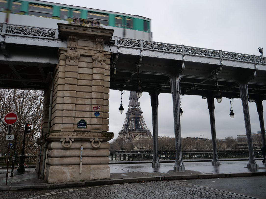 Le pont à deux étages de Bir-Hakeim reliant les 15 ème et 16 ème arrondissements