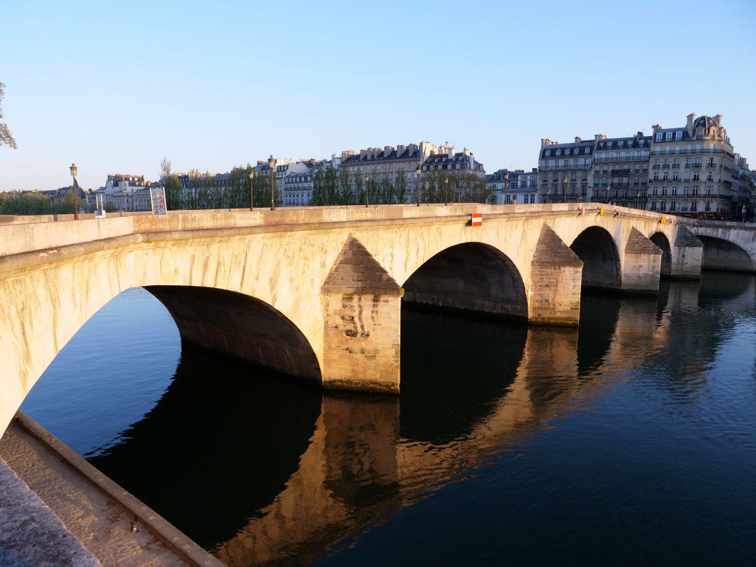 Le pont Royal en fin de journée au printemps