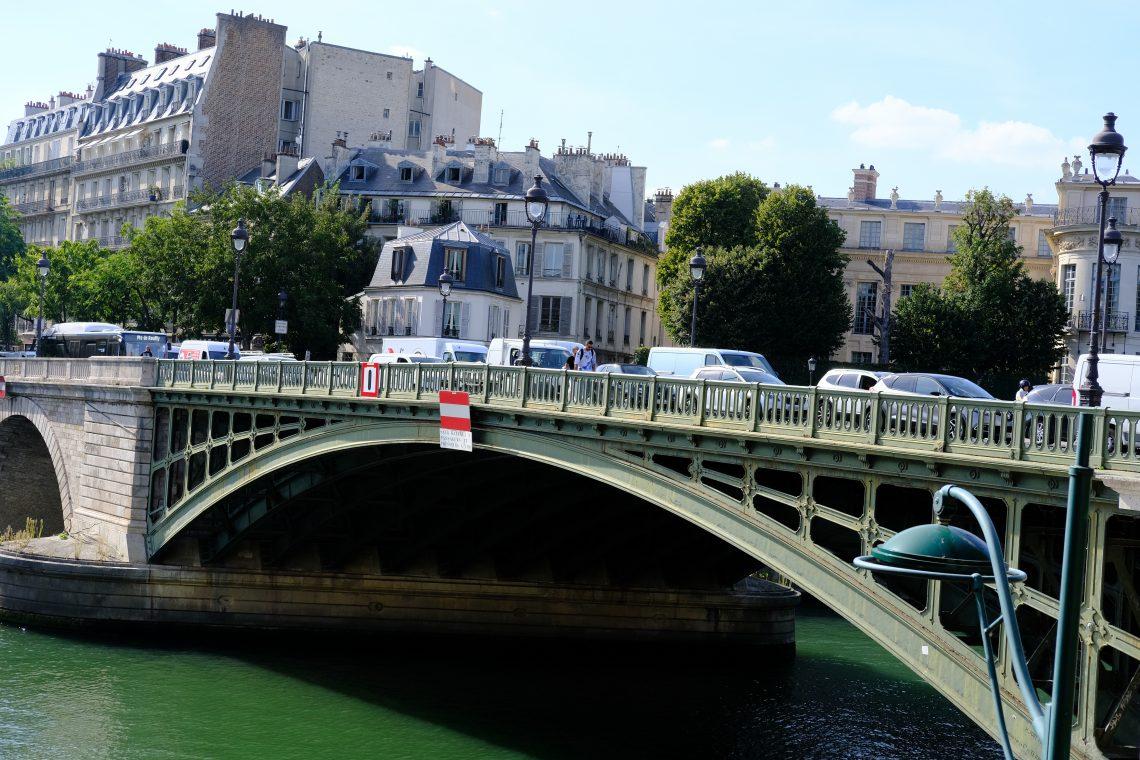 Le pont de Sully côté rive droite