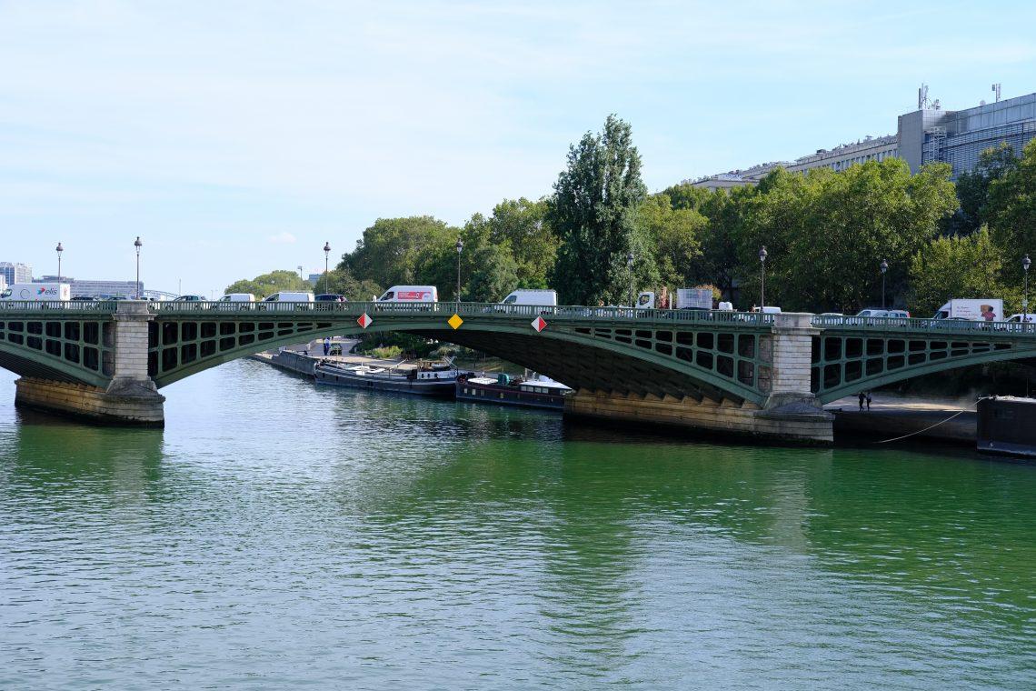 Le pont de Sully côté rive gauche