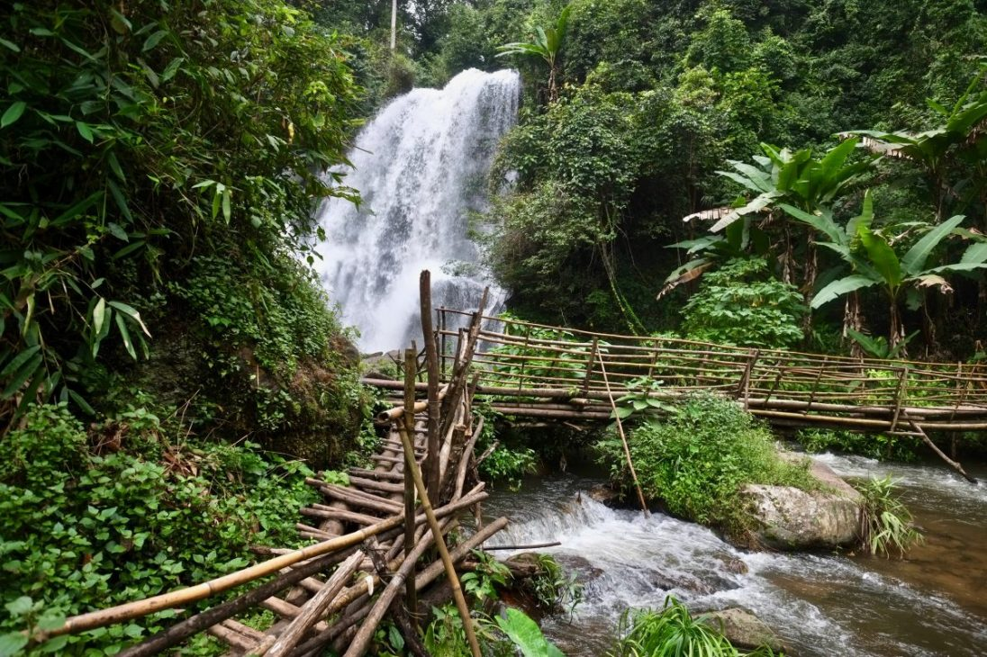 L'une des cascades de Doi Inthanon à Kew mae Pan